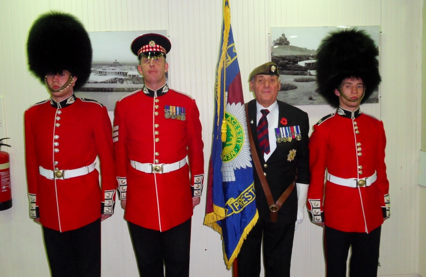 Tom Davies pictured with members of the Scots Guards
