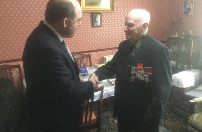 MP Ben Wallace presenting the Legion d'honneur to Mr Townsley